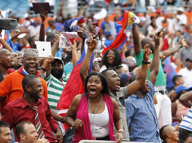Haitian Soccer Fans_2